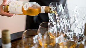 De Bortoli Wines Noble One Botrytis Semillon wine being poured into glass